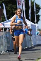 Katharina Nüser, 28, bereitet sich mit ihrem Trainer Wolfgang Soukup auf ihren ersten Marathon vor.